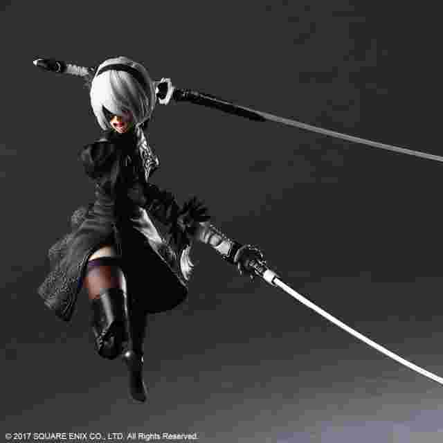 Captura de pantalla del juego NIER:AUTOMATA PLAY ARTS KAI ACTION FIGURE 2B (YORHA NO. 2 TYPE B) DELUXE VER.