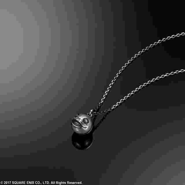 Capture d'écran du jeu Pendentif en argent NieR : Automata [Emil]