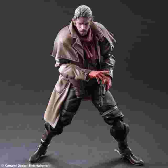 Capture d'écran du jeu Metal Gear Solid V The Phantom Pain Play Arts KAI -Ocelot