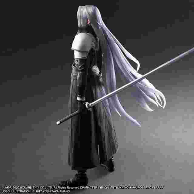 cattura di schermo del gioco FINAL FANTASY VII REMAKE PLAY ARTS KAI ACTION FIGURE - SEPHIROTH