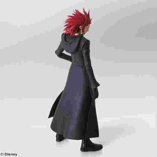 Capture d'écran du jeu KINGDOM HEARTS III BRING ARTS – Axel