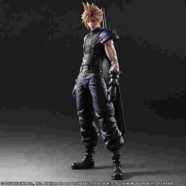 cattura di schermo del gioco FINAL FANTASY VII REMAKE PLAY ARTS -KAI- No.1 CLOUD STRIFE