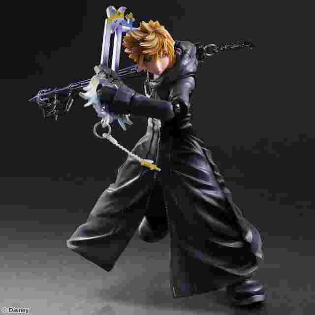 Capture d'écran du jeu Figurine KINGDOM HEARTS II PLAY ARTS KAI [ROXAS ORGANIZATION XIII VER.]