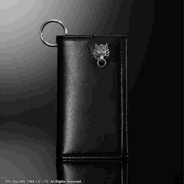 Captura de pantalla del juego FINAL FANTASY VII Advent Children Leather Key Case Wallet - Cloudy Wolf