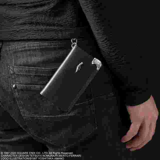 Screenshot des Spiels FINAL FANTASY VII REMAKE KEY CASE WALLET - SEPHIROTH