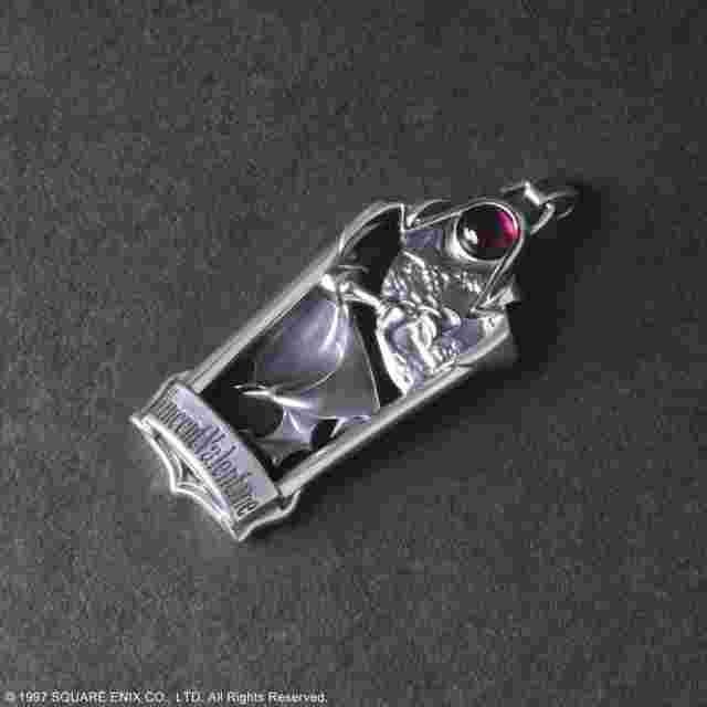 Screenshot for the game FINAL FANTASY VII SILVER CHARM: Vincent Valentine [JEWELRY]