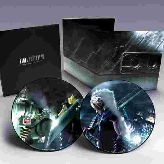 cattura di schermo del gioco FINAL FANTASY VII REMAKE and FINAL FANTASY VII Vinyl