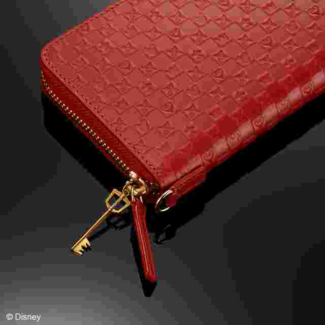 Screenshot for the game Kingdom Hearts Two-Color Wallet - Red/Black