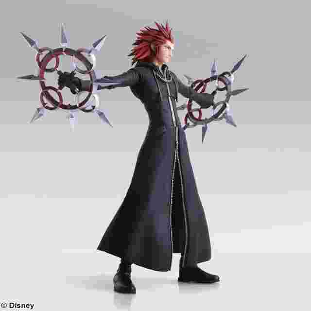 Captura de pantalla del juego KINGDOM HEARTS III BRING ARTS – Axel