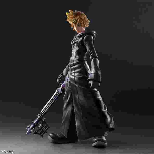 Captura de pantalla del juego KINGDOM HEARTS II PLAY ARTS KAI - Roxas - Organization XIII Version