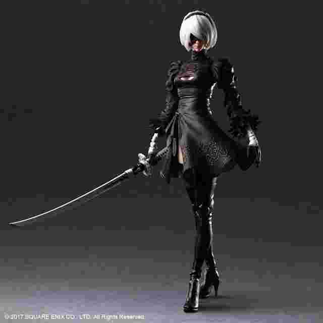 Capture d'écran du jeu NIER:AUTOMATA PLAY ARTS KAI ACTION FIGURE 2B (YORHA NO. 2 TYPE B)