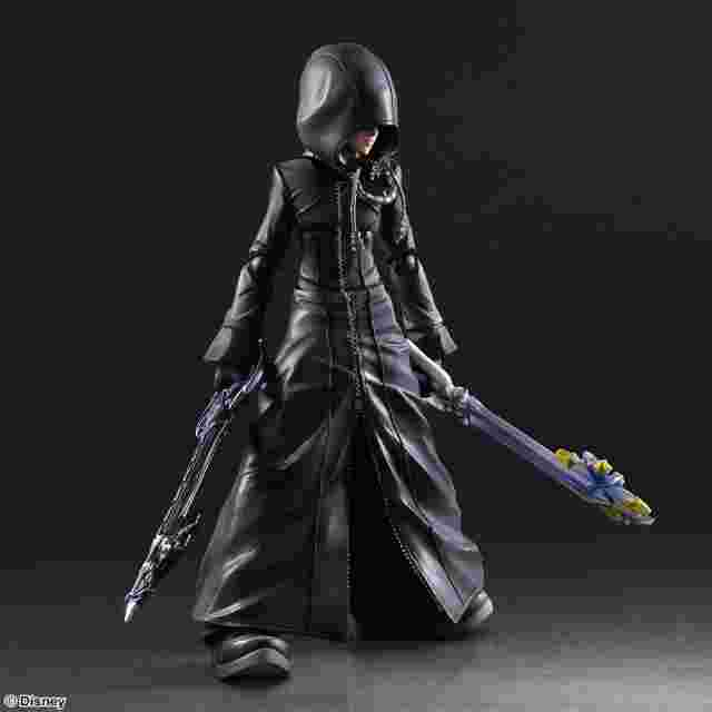cattura di schermo del gioco KINGDOM HEARTS II PLAY ARTS KAI - Roxas - Organization XIII Version